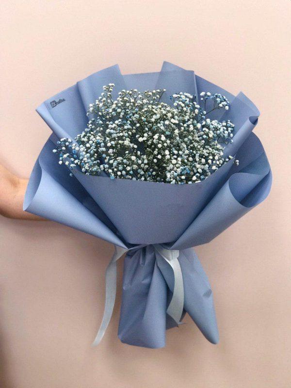 Букет з голубої гіпсофіли