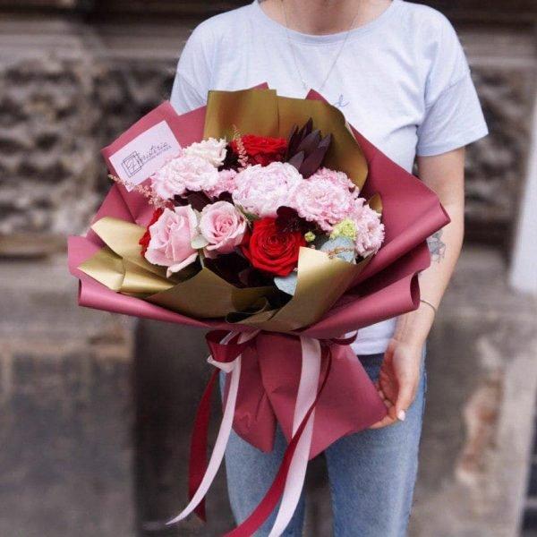 Букет мікс з троянд, еустоми, астільби та евкаліпту