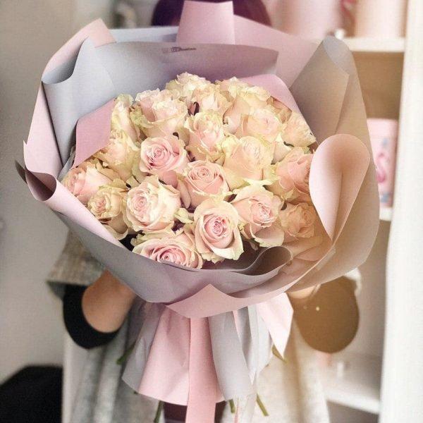 Букет з 25 еквадорських троянд