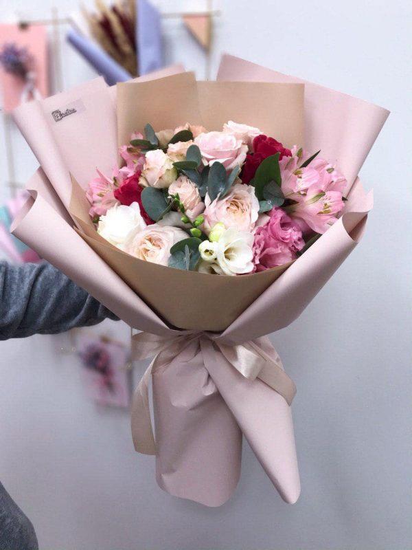 Букет мікс з троянд, альстромерії, еустоми та фрезій
