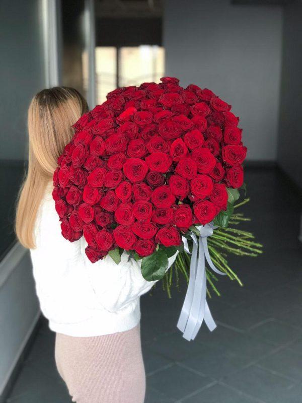Букет з 101 троянди