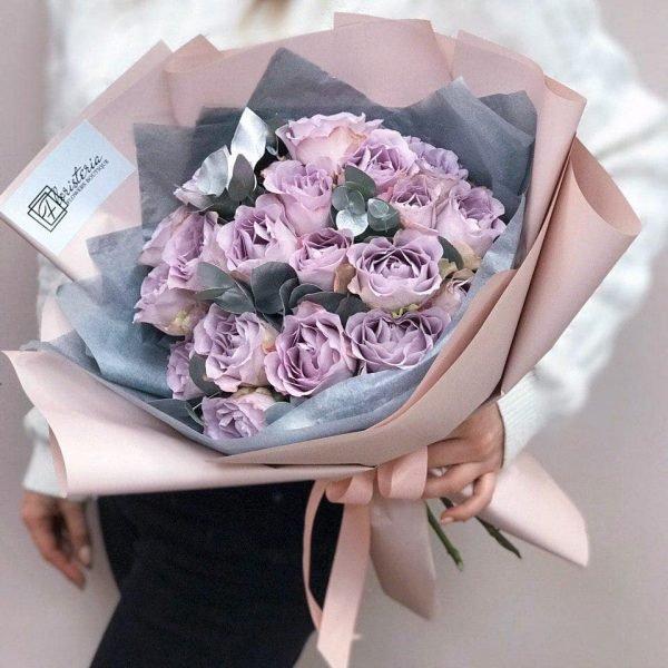 Букет з 21 троянди «Memory Lane»