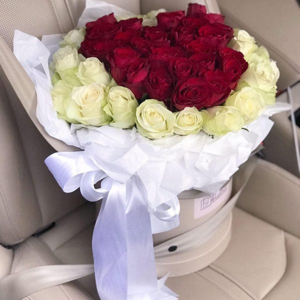 Бокс з 51 троянди