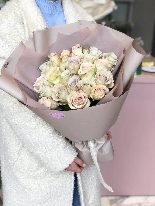 Букет з 21 еквадорської троянди