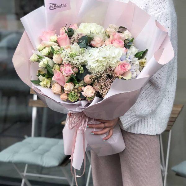 Весняний букет гігант з міксу квітів