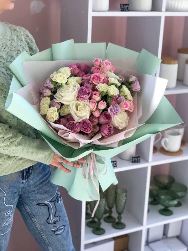 Букет мікс троянд