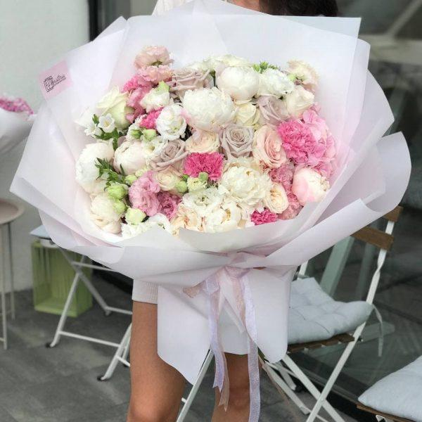 Букет в розмірі XL в біло-рожевій колористиці